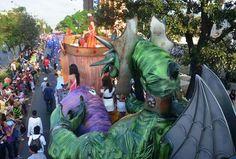 desfile de carrozas en los carnavales turisticos interncionales de Puerto Cabello 2012
