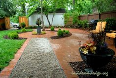 Pea Gravel Walkway | Brick pavers with circle detail and pea gravel path