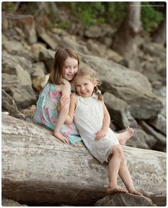 MN child photographer Sibling photos! 4 and 5 year old girls.