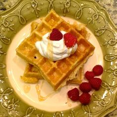 Love me some waffles! Especially when they have high protein and no protein powder!!