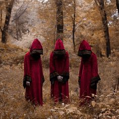 Christopher McKenneys Surreal Photographs Are Disturbingly - Surreal faceless portraits will haunt nightmares
