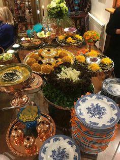 Food Platters, Food Dishes, Afghanistan Food, Iran Food, Iranian Cuisine, Vintage Birthday Parties, Eastern Cuisine, Food Decoration, Cafe Food