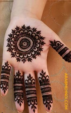 henna designs Henna design basically has a pretty and beautiful structure that makes hand beautiful and fabulous. These designs are also for other women. Dulhan Mehndi Designs, Circle Mehndi Designs, Mehndi Designs Finger, Palm Mehndi Design, Henna Tattoo Designs Simple, Mehndi Designs Book, Finger Henna Designs, Mehndi Designs For Girls, Mehndi Designs For Beginners