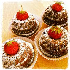 poppy seed - yoghurt cake Homemade Cakes, Poppy, Cheesecake, Desserts, Food, Tailgate Desserts, Deserts, Cheesecakes, Essen