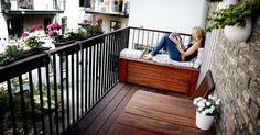 Altanen har også en praktisk dimension og kan bruges til langt mere end blot udendørs hygge. Dette blogindlæg byder på gode råd til indretning af altanen, så den også kan bruges til eksempelvis opbevaring. Small Balcony Design, Small Balcony Garden, Small Balcony Decor, Small Terrace, Apartment Balcony Garden, Apartment Balcony Decorating, Apartment Balconies, Teenage Room Decor, Outdoor Rooms