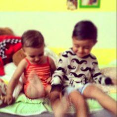Los niños vienen con un blog debajo del brazo: Silencio y… Click (31) #hermanos #brothers