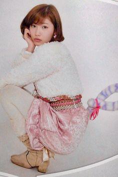 ピンク色スカートの立石晴香