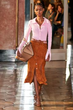Desfile de moda de Altuzarra Spring 2020 Ready-to-Wear - estilo casual - estilo urbano - estilo clasico - estilo natural - estilo boho - moda estilo - estilo femenino 2020 Fashion Trends, Spring Fashion Trends, Fashion Mode, Fashion 2020, Paris Fashion, Runway Fashion, Fashion Show, Fashion Design, Vogue Fashion
