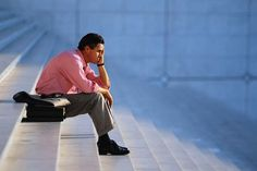 Oque é pior? Ficar desempregado ou com emprego errado?