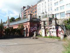 1336 St. Pauli Fischmarkt 28, 30 Kasematten + Treppe.JPG