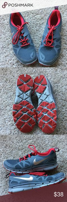 Nike Flex FitSole shoes Nike brand - size: 9 - colors: dark gray and red. Nike flex. FitSoles. Like new condition. Fast shipping. Nike Shoes Athletic Shoes