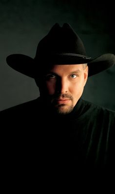 Garth Brooks - Oklahoma Native - Born in Yukon, OK