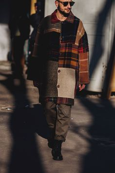 The Best Street Style From Milan Fashion Week Men's Milan Fashion Week Men's Street Style Street Style Fashion Week, Look Street Style, Cool Street Fashion, Trendy Mens Fashion, Mens Fashion 2018, Fashion Trends, Milan Fashion, Fashion Guide, Fashion Ideas