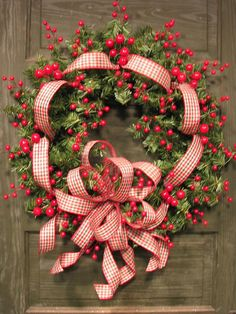 berry & ribbon wreath