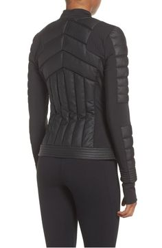 Get ready for the cold atmospheric condition and store a few winterleggings and woolies, warmer woolly jumpers and other winter period. Coats For Women, Jackets For Women, Gym Style, Winter Outfits Women, Sport Wear, Mode Outfits, Sport Fashion, Fashion Details, Mantel