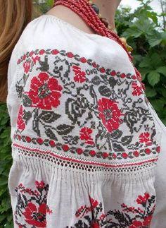 #Ukrainian #embroidery #shirt #Украинская #вышивка #Вышиванка #Українська… Polish Embroidery, Embroidery Fashion, Cross Stitch Embroidery, Embroidery Patterns, Folk Fashion, Ethnic Fashion, Hijab Fashion, Ethno Style, Folk Costume