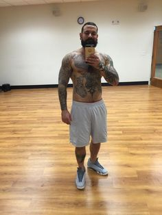 Bobby Couto shirtless mirror selfie