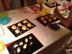 Con las manos en el sushi!