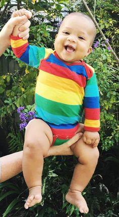 Molo rainbow stripe bodysuit Retro Baby Clothes - Baby Boy clothes - Danish Baby Clothes - Smafolk - Toddler clothing - Baby Clothing - Baby clothes Online