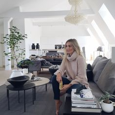 Today's behind the scenes - Camilla Pihl Scandi Style, Scandinavian Style, Camilla, Simple Style, Interior Design Living Room, Decoration, Design Trends, Knits, Home Decor