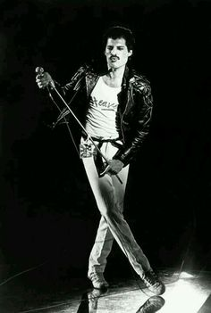 Find Freddie Mercury bio, music, credits, awards, & streaming links on AllMusic - Best known as the flamboyant lead singer of… John Deacon, Brian May, Aretha Franklin, Jimi Hendrix, Rock Bands, Heavy Metal, Roger Taylor, We Will Rock You, Somebody To Love
