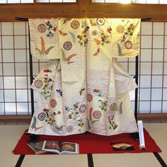 This is the completed Noh costume project from the last post. The experience was just a blessing for us! #日本刺繍 #japaneseembroidery #broderiejaponaise #ricamogiapponese #nuido #noh #umewakarokurou Japanese Embroidery, A Blessing, Blessed, Costume, Quilts, Blanket, Projects, Log Projects, Blue Prints