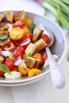 herb salad with quinoa & mint | food | Pinterest | Herbs, Quinoa and ...