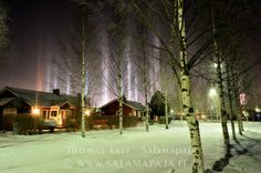 Light pillars (airborne ice crystals reflecting light) in Finland. Copyright: Thomas Kast