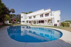 Villa for Sale in Marbella, Costa del Sol 1.200.000€ Reference: R2011731