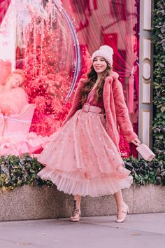 A round up of my past holiday outfits. Shop some of my current favorites! Pink Fashion, Modest Fashion, Fashion Beauty, Vintage Fashion, Fashion Outfits, Fashion 2020, Girly Outfits, Cute Outfits, Tartan Clothing