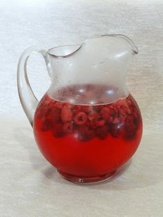 Moscato Spritzer - new favorite party drink. Light, refreshing and sweet.