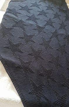 MeRo-Seesternchen No 2, ein symmetrisches Tuch mit wunderbaren Stern-Motiven. Die Anleitung ist detailliert beschrieben, zusätzlich gibt es als Hilfestellung Charts zu den einzelnen Passagen - für Strickanfänger geeignet.
