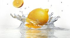 The health benefits of drinking lemon water, and drinking warm lemon water. These little superfruits can really change your life, just by drinking a glass of lemon water once or more a day! Natural Cures, Natural Health, Drinking Warm Lemon Water, Lemon Uses, Infused Water Bottle, Water Bottles, Yummy Drinks, Health Benefits, Health Tips