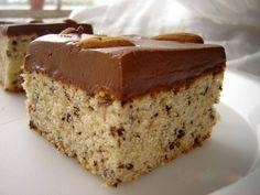 Čokoládové jednoduché rezy..v piškóte je nastrúhaná čokoláda , a krém je smotanovo čokoládový...