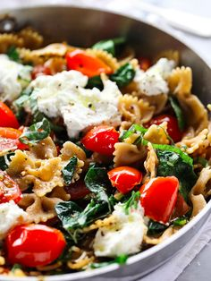 Whole Wheat Pasta with Tomatoes, Ricotta, and Spinach