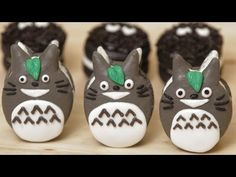 Today on Nerdy Nummies, Rosanna Pansino made these Totoro Macaroon Cookies! So cute!!