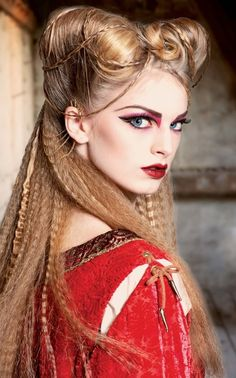 stunning,medieval inspired look <3