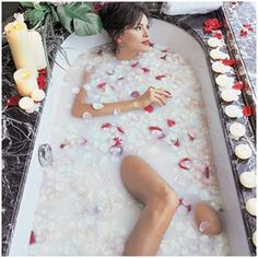 Cleopatra Beauty secrets – Milk:  She added Dead Sea salt to her bath with essential oils and aromatic flowers to relieve stress and make her skin glow! She used milk for bathing. Vitamins A and E in milk acted as an antiseptic too. She also mixed Milk with Olive oil to use it as a Moisturizer.