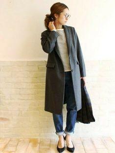 シンプルでスッキリしたシルエットなので、ボリューミーなニットからカジュアルなボーダーカットソーまで、どんなインナーとも合わせやすいのも魅力です。 Japan Fashion, Look Fashion, Unique Fashion, Girl Fashion, Fashion Outfits, Womens Fashion, Fashion Trends, Winter Outfits Women, Fall Outfits