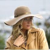 Wool felt capeline hat in camel