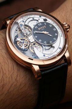 Bovet Recital 12 Hands-On: Die dünnste noch - Das Uhren Magazin Fancy Watches, Dream Watches, Luxury Watches For Men, Cool Watches, Wrist Watches, Men's Watches, Swatch, Skeleton Watches, Beautiful Watches