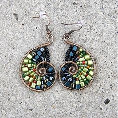wire nautilus with beads - wire wrap