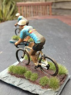 Rowley Haverly's pint-sized cycling figurines - VeloNews.com