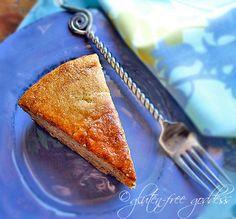 Gluten-free peanut butter banana cake- low sugar recipe. #lowsugar #cake