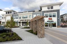 Located at Interstate 495 and Route 119 in Littleton, Mass., this new 500,000-square-foot, mixed-use development will serve as the hub that innovatively brings together the area's high-tech company community and the traditional New England residential community.