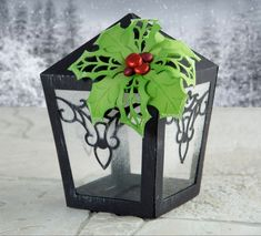 Festive papercraft lamp made using the Cutting Craftorium Christmas USB! / Christmas crafting / craft