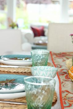 Your going to love this beautiful fall home tour full of fresh crisp colour at thehappyhousie.com-18