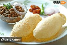 The best place to have street foods is the capital city, Delhi which offers variety of road side food and stalls.  Basically #CholeBhature is a Punjabi dish but it is very popular in major urban cities of India. Commonly eaten for breakfast, Delhi is famous for best chole bhature.