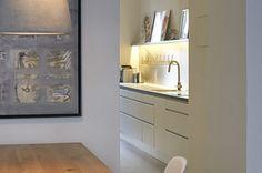 chociwski architekten » Tip Top Table Bathroom Medicine Cabinet, Bathroom Lighting, Retail, Mirror, Frame, Table, Top, Furniture, Home Decor