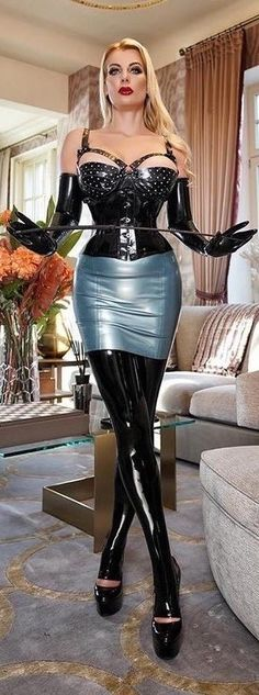Latex Fashion, Fashion Models, Leder Boots, Latex Dress, Latex Wear, Leather Corset, Leather Skirts, Dress Attire, Female Supremacy
